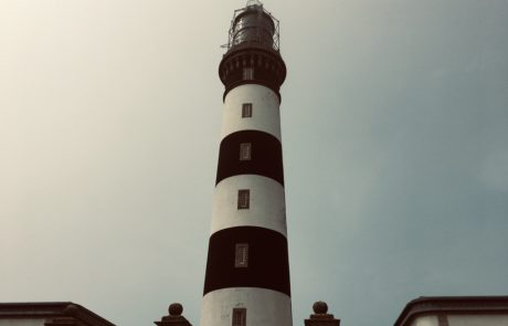 phare ouessant rayures noires et blanches