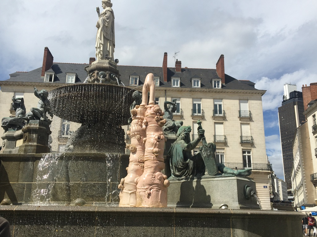 fontaine pubis