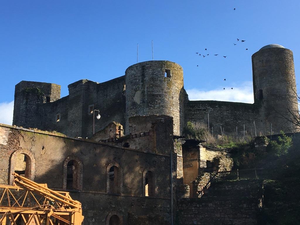 vue moulin et chateau pouancé