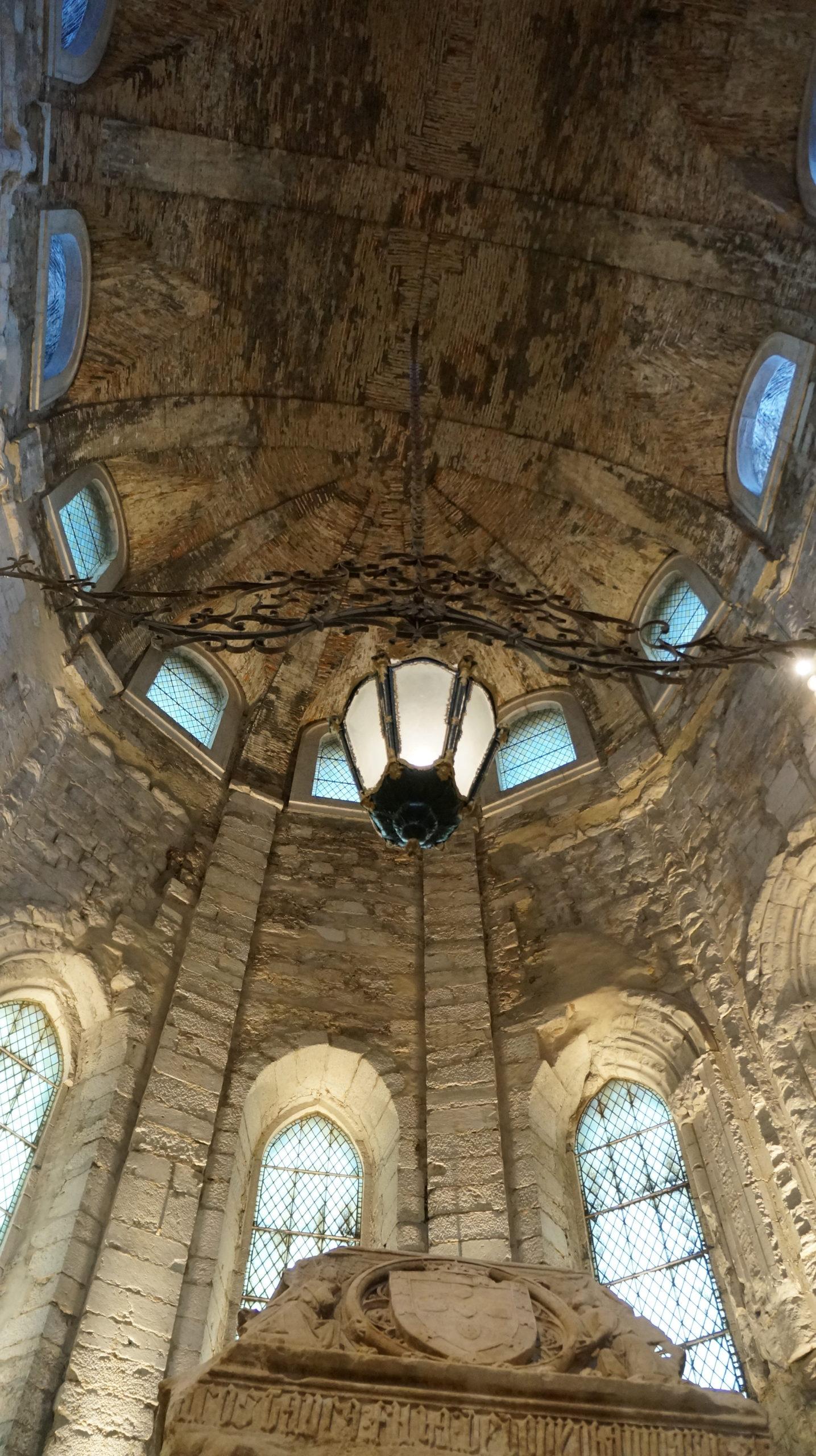 intérieur plafond église