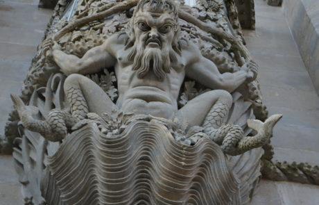 sculpture arc de triton