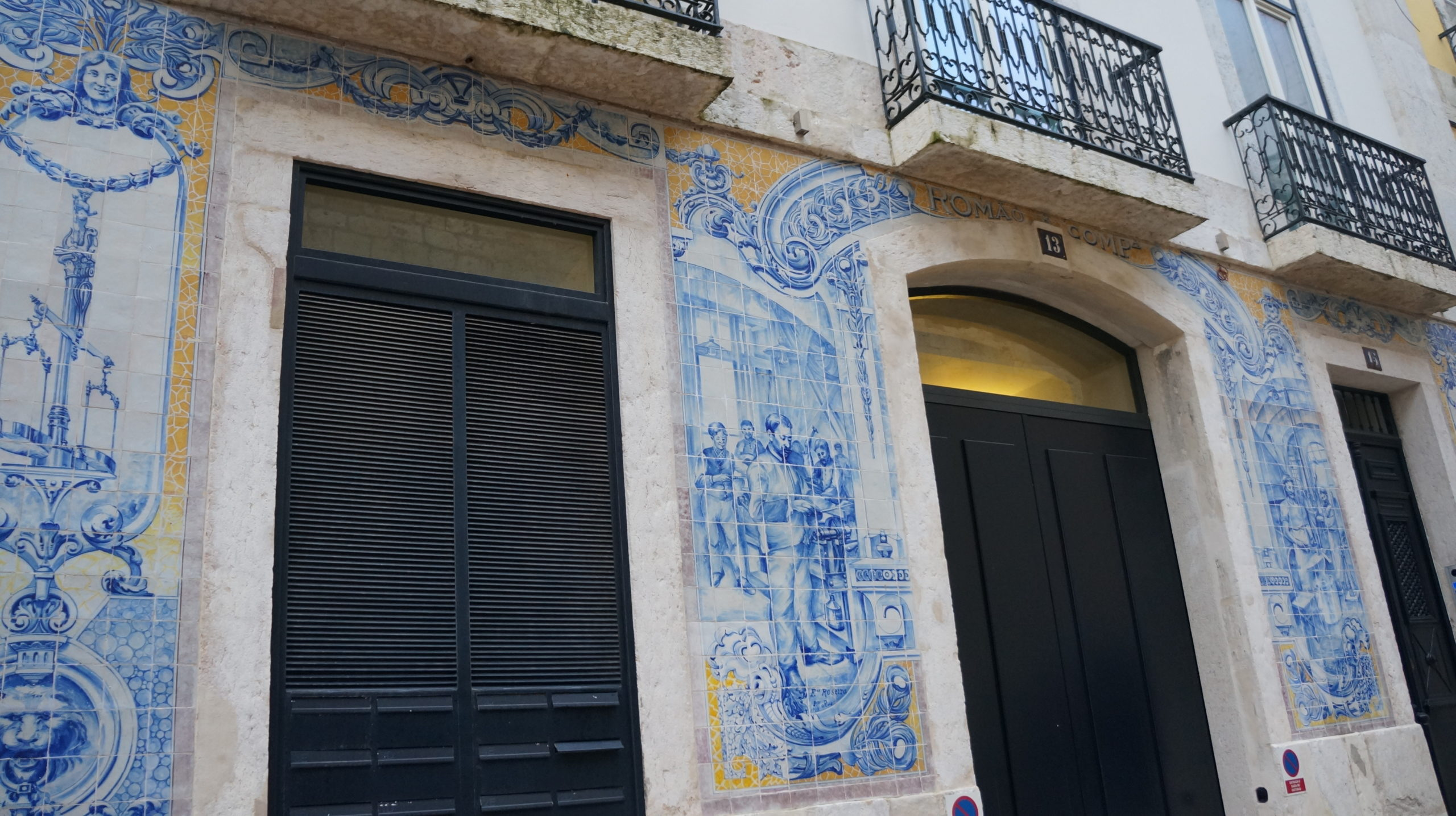 façade immeuble azulejos
