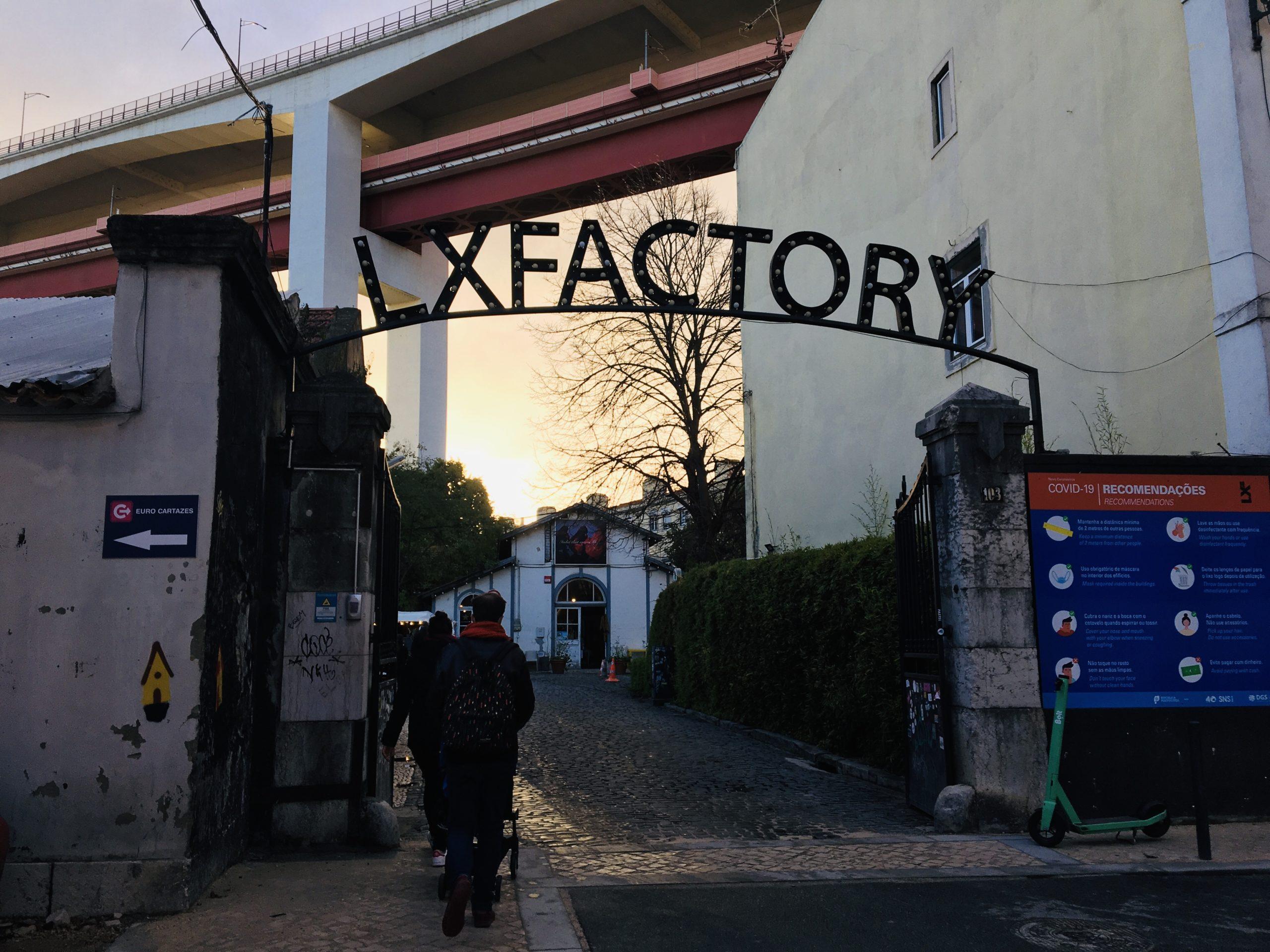 entrée LX factory en fer