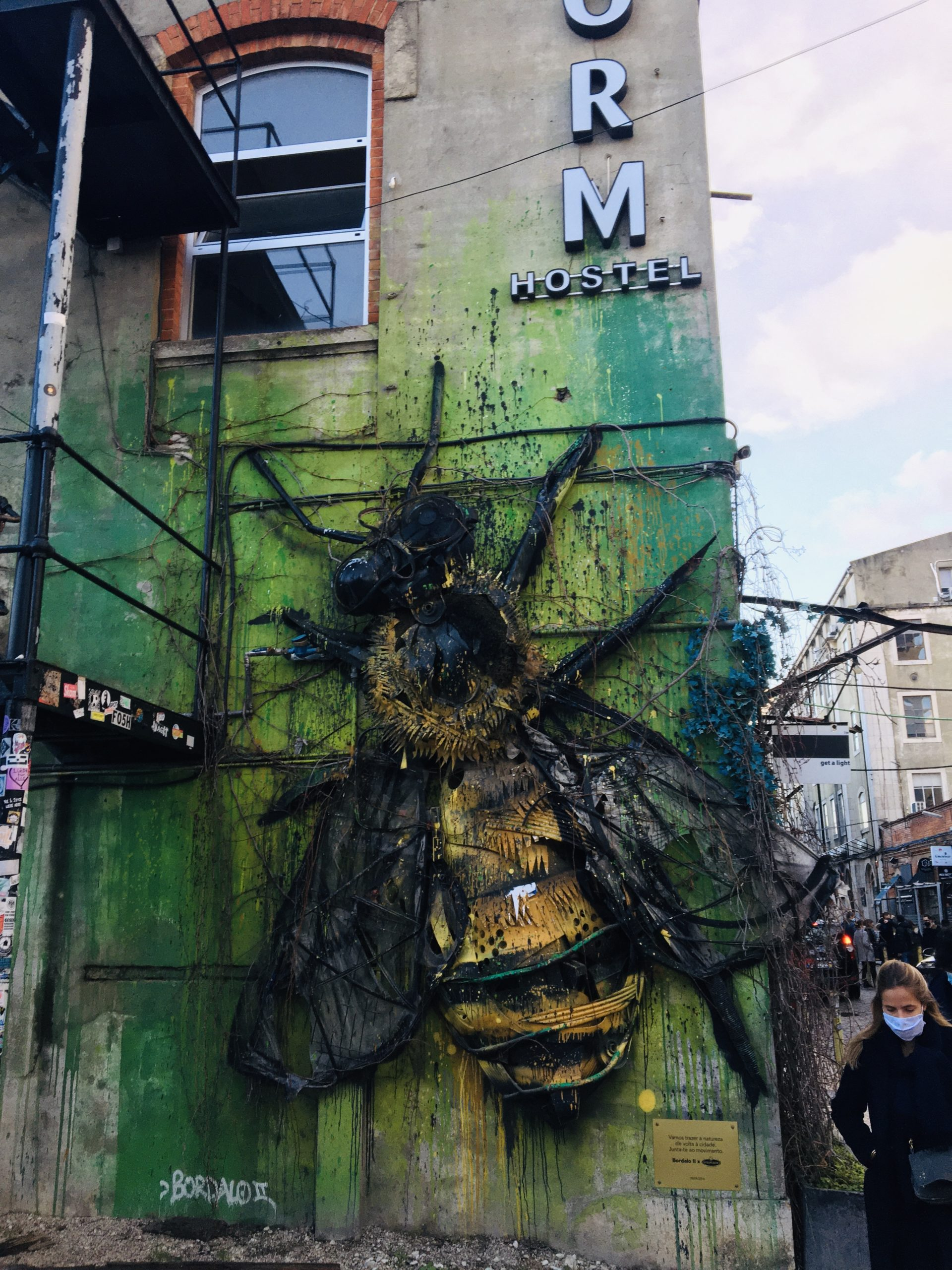 sculpture abeille lx factory