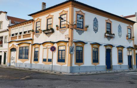 maison azulejos aveiro