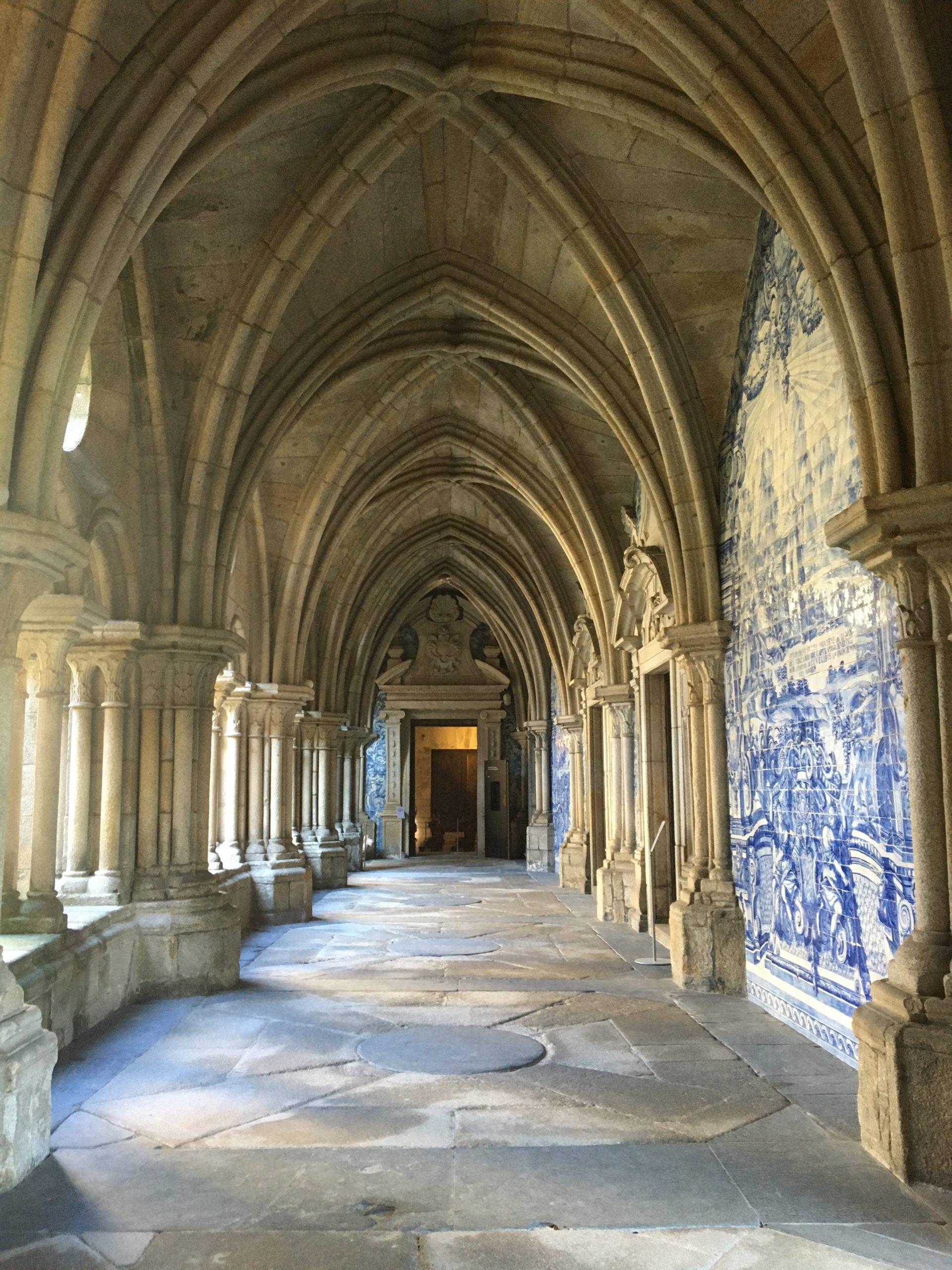 cloitre cathédrale