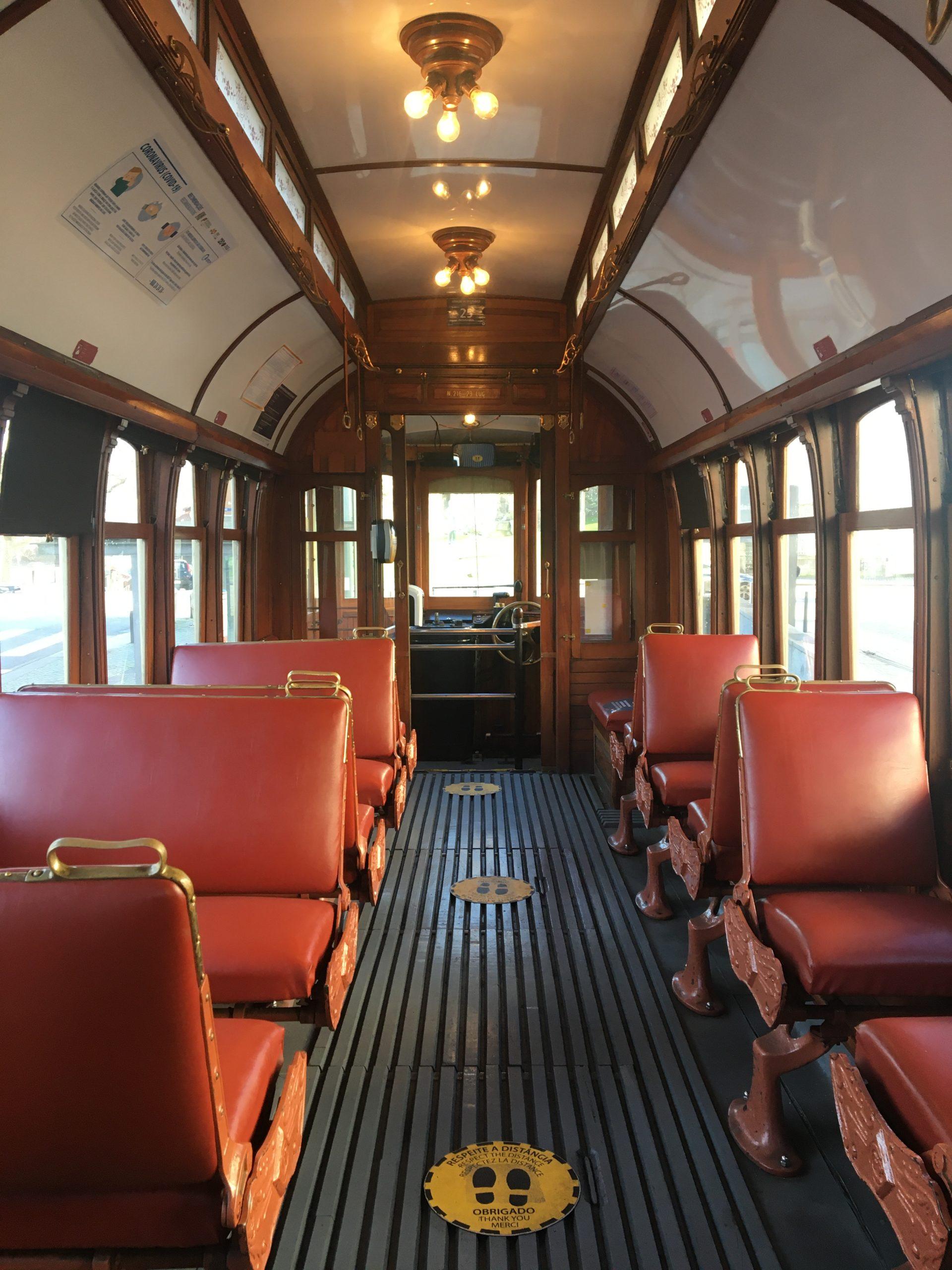 interieur tram retro
